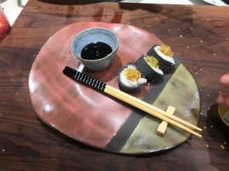 Trampantojo de sushi de creps rellenas de arroz con leche y membrillo